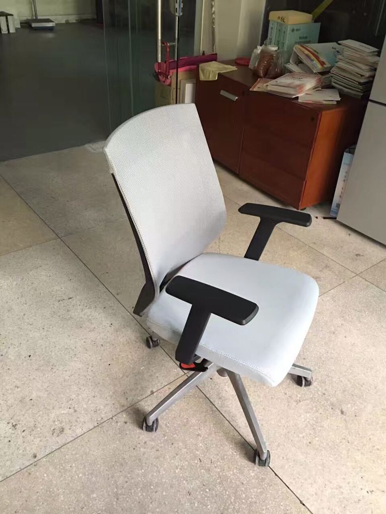 Superior comfortable staff mesh office chair